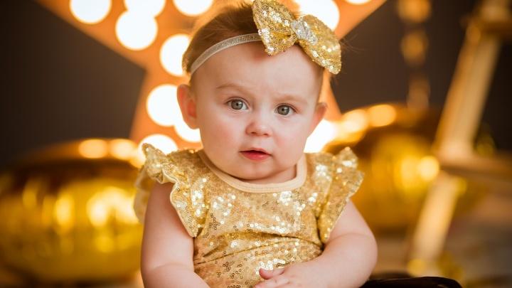 «Главный болельщик — папа»: годовалая волгоградка претендует на корону самой красивой девочки России