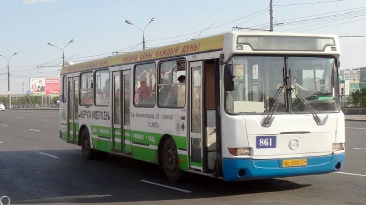 С вечера на неделю меняется движение автобусов из-за ремонта дороги в центре
