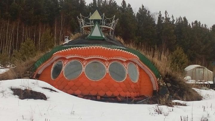 Хоббит идёт на хутор: власти нашли вариант для спасения необычного поселения в Челябинской области