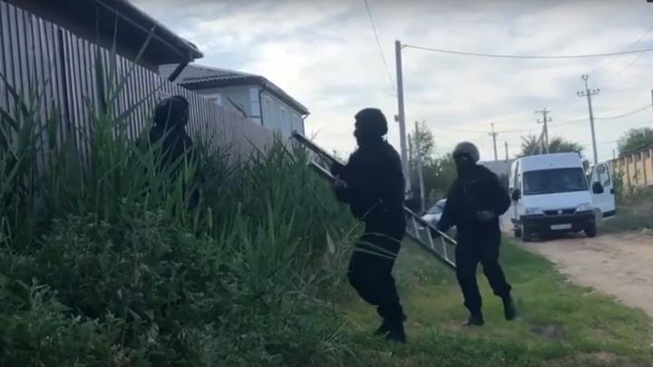 В Волгограде полицейские накрыли онлайн-порностудию для США и Европы: видео