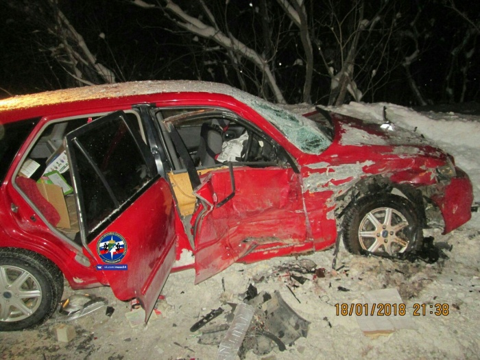 Водителя иномарки зажало в салоне автомобиля
