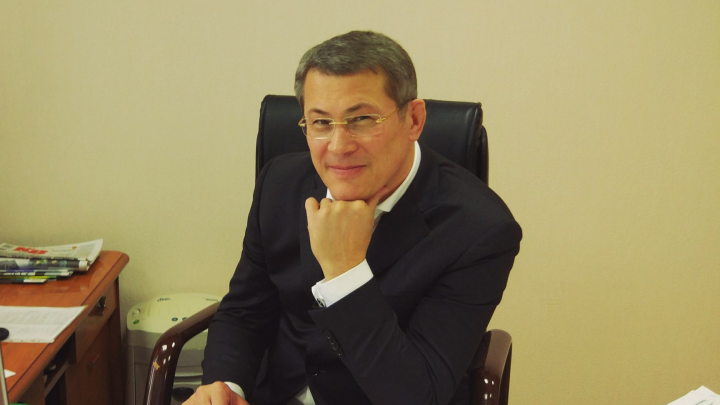 Радий Хабиров обещал приз за самый красивый башкирский танец с гостем республики