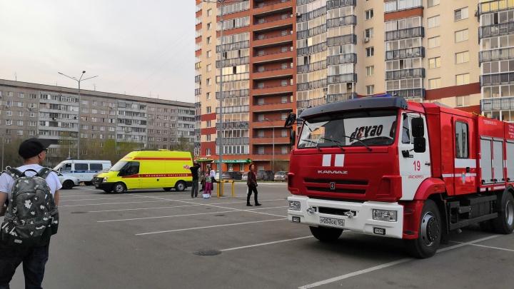 Волна сообщений о минировании докатилась до Красноярска: проверки начались по всей стране