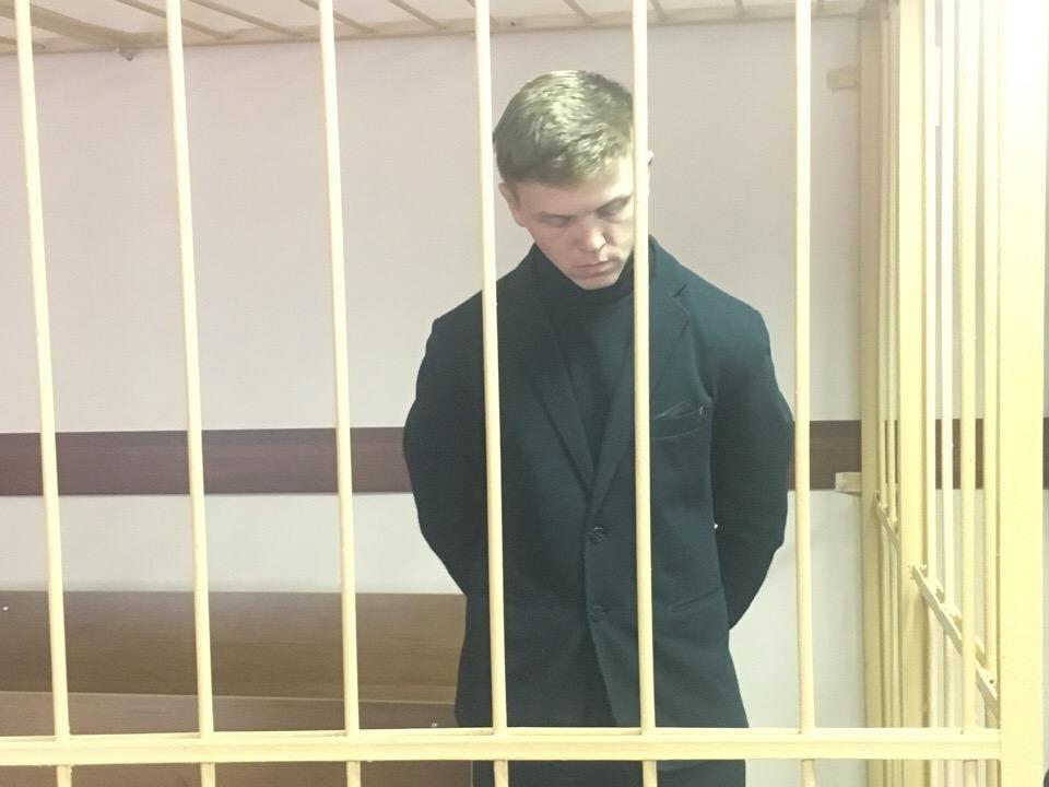 27-летний Алексей Бровкин работает в колонии младшим инспектором отдела безопасности первой категории группы надзора