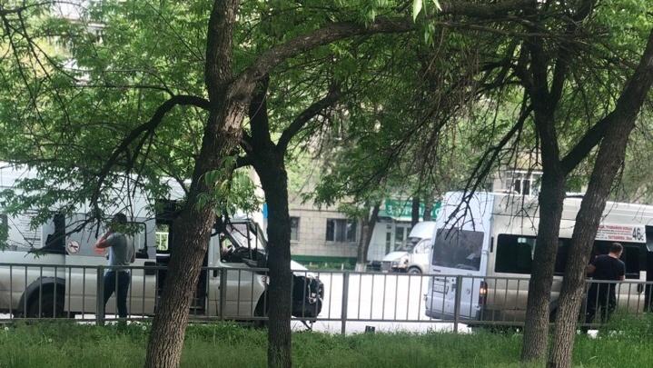 «На месте скорая помощь»: в Волгограде столкнулись две маршрутки