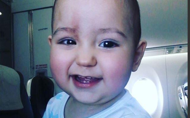 Евгений Куйвашев попросил вместо подарков на свои именины помочь годовалому малышу с опухолью глаза