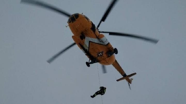 «Медлить было нельзя»: пермские спасатели эвакуировали на вертолете мужчину с инсультом