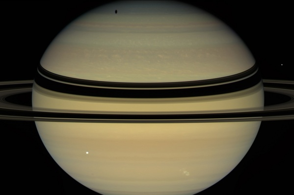 Противостояние Сатурна и Солнца ожидается на следующей неделе