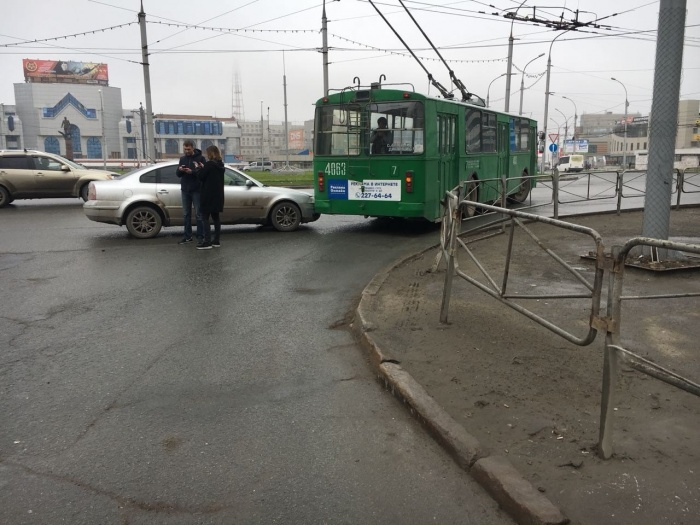 Пассажиров троллейбуса высадили