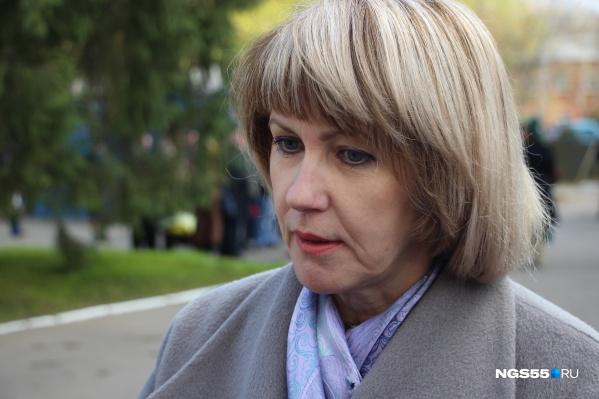 """Татьяна Дернова стала министром образования в апреле 2017 года. Тогда сообщалось, что она <a href=""""https://ngs55.ru/news/more/50342691/"""" target=""""_blank"""" class=""""_"""">имеет 28-летний стаж</a> работы в этой сфере"""