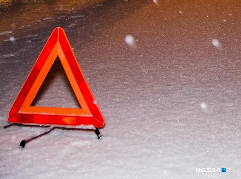 Автобус сдетьми сломался ночью натрассе вКрасноярском крае