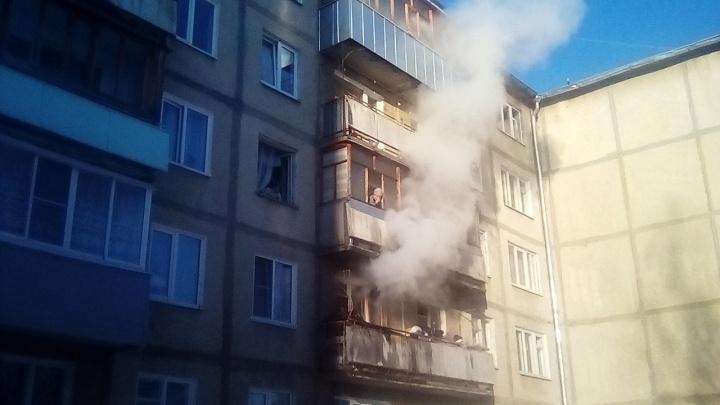 «Сосед кричал, звал на помощь»: подробности крупного пожара в пятиэтажке в Ярославской области