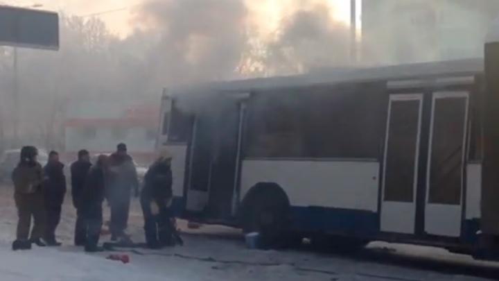 В Амуре загорелся автобус, в котором ехали пассажиры