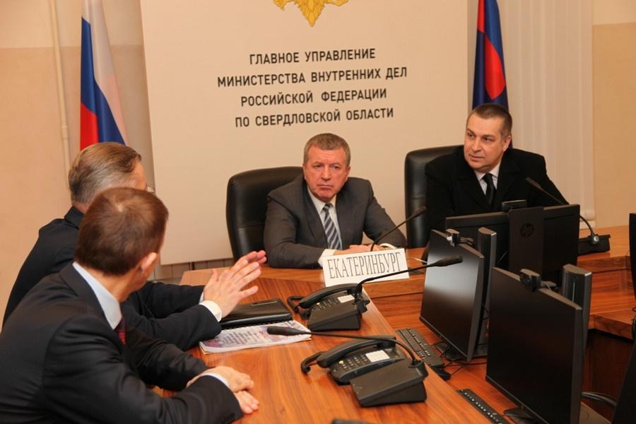 Со специалистами ВНИИ МВД встретился начальник регионального главка генерал-лейтенант Михаил Бородин