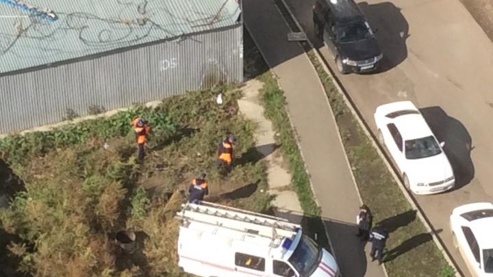 В районе «Планеты» из теплотрассы достали тела двух человек