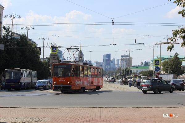 Из-за ремонта путей четыре трамвайных маршрута изменят схему движения