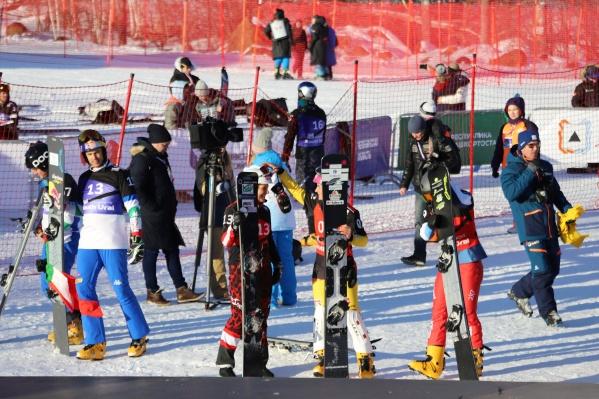 В заключительный день Кубка разыграли комплект медалей в параллельном гигантском слаломе