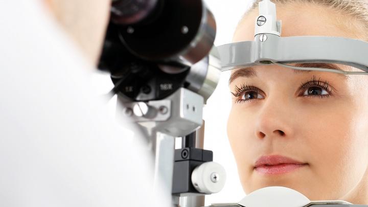 Офтальмологи рассказали, чем и сколько раз платит тот, кто тянет с лечением
