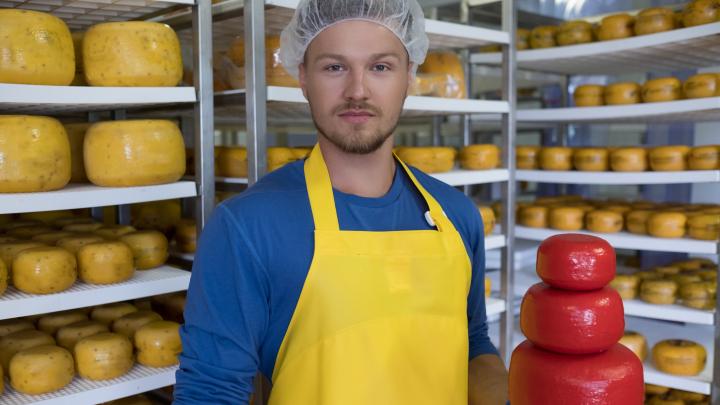 Шесть больших целей маленького сыровара: как челябинский предприниматель открыл фуд-бизнес с нуля