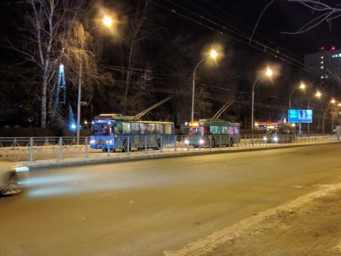 Троллейбусы встали на проспекте Дзержинского
