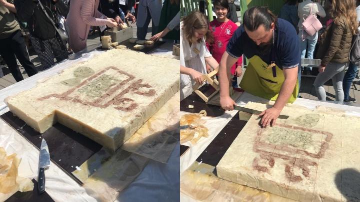 Новосибирские мастера сварили гигантское мыло весом 84 килограмма