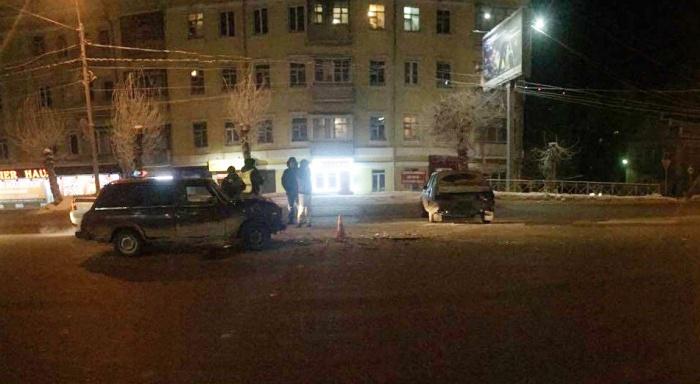 Авария случилась ночью напротив дома  № 48  на Большевистской