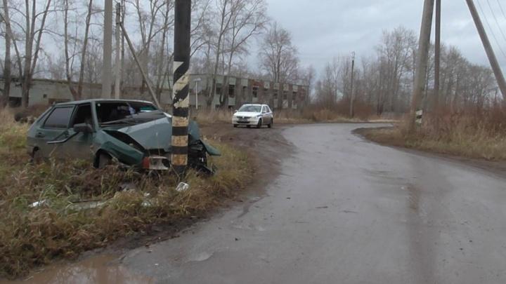 В Башкирии пьяный водитель «Лады» протаранил столб
