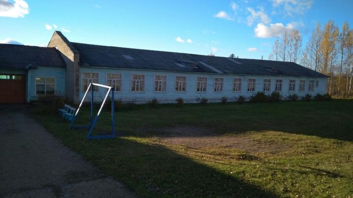 Не продержался и недели: новый директор Климовской школы уволился из-за пьянства