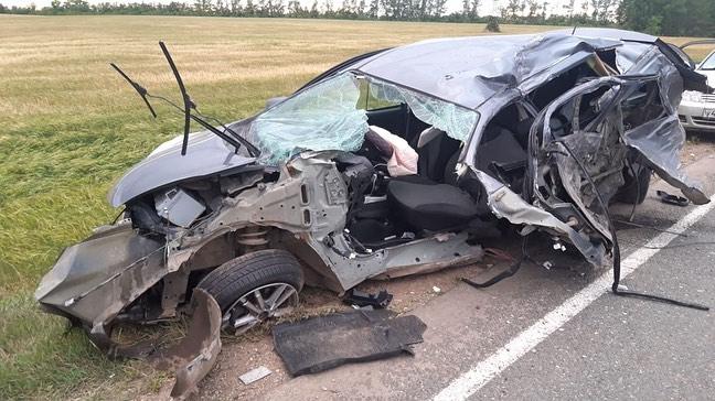Водитель вылетел в лобовое стекло: последствия смертельной аварии в Башкирии сняли на видео