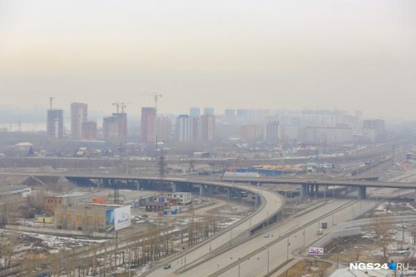 Свалка появились в районе массовой застройки справа от Николаевского моста