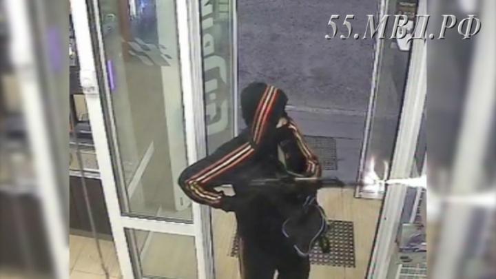 Разбойник, ограбивший бензозаправку в Башкирии, сядет на 5,5 лет