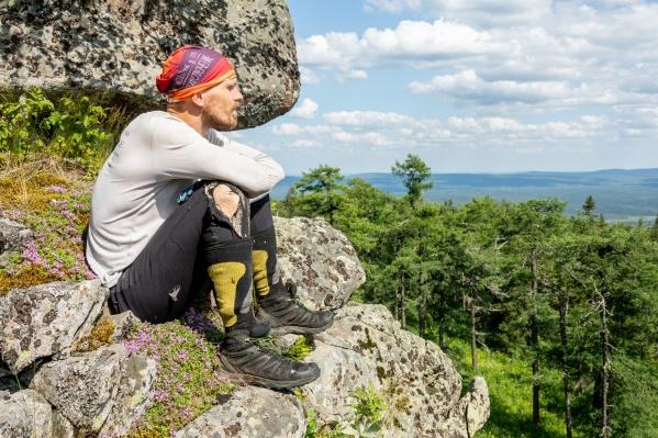За шесть дней своего путешествия по Уралу Олег Чегодаев посетил тридцать горных вершин