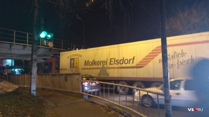 Дальнобойщик из Тамбовской области, заехав в Волгоград, попал в неловкое положение