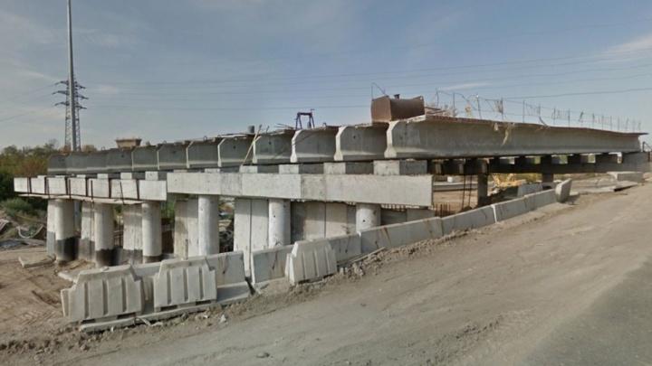 После жалоб челябинцев Текслеру в мэрии пообещали построить мост на Троицком тракте за год