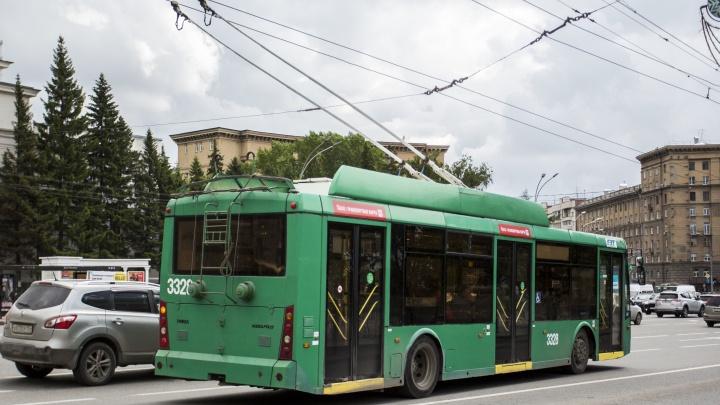 Троллейбусы убрали с Красного проспекта на Советскую из-за обрыва проводов