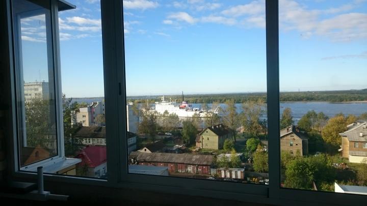В Архангельске пришвартовалось судно, с борта которого снимался «Титаник»