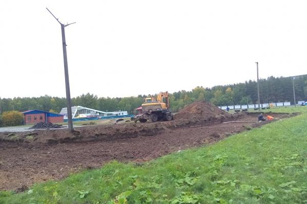 Рядом с футбольным полем планируют построить тёплые раздевалки и фуд-корт