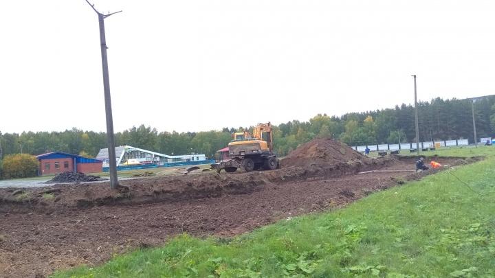«Стадион разбирают тракторами»: строительные работы на лыжной базе обеспокоили челябинцев