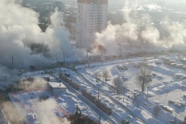 Из-за прорыва трубы на Стара-Загоре кипятком затопило 15-й микрорайон