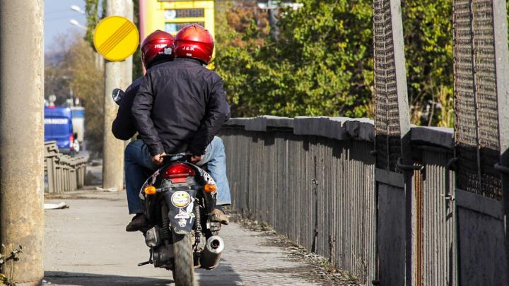 В Таганроге байкер разбился насмерть из-за того, что опрокинулся мотоцикл
