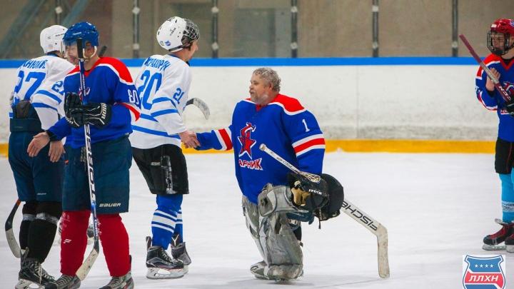 «Хоккеисты не ходят по поликлиникам»: друг умершего на льду игрока «Ударника» рассказал о ЧП