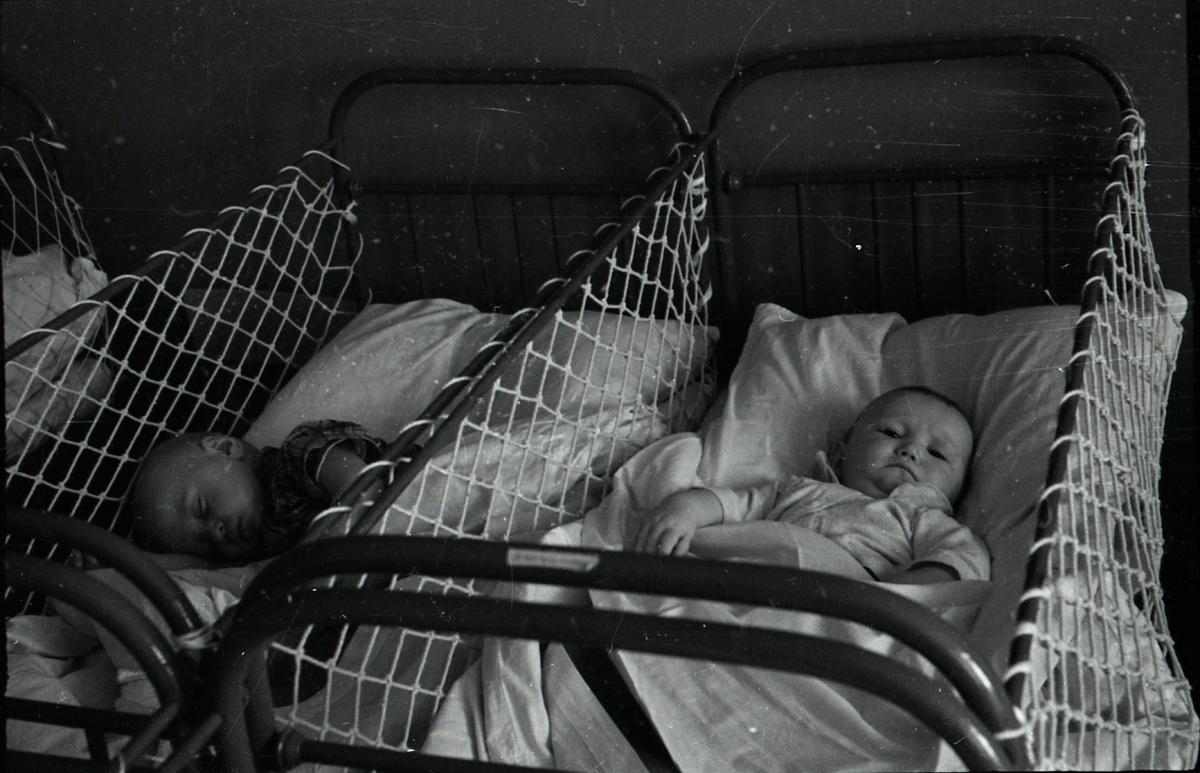 Ясли в советские годы были необходимостью, ведь многие мамы выходили на работу через пару месяцев после рождения ребёнка