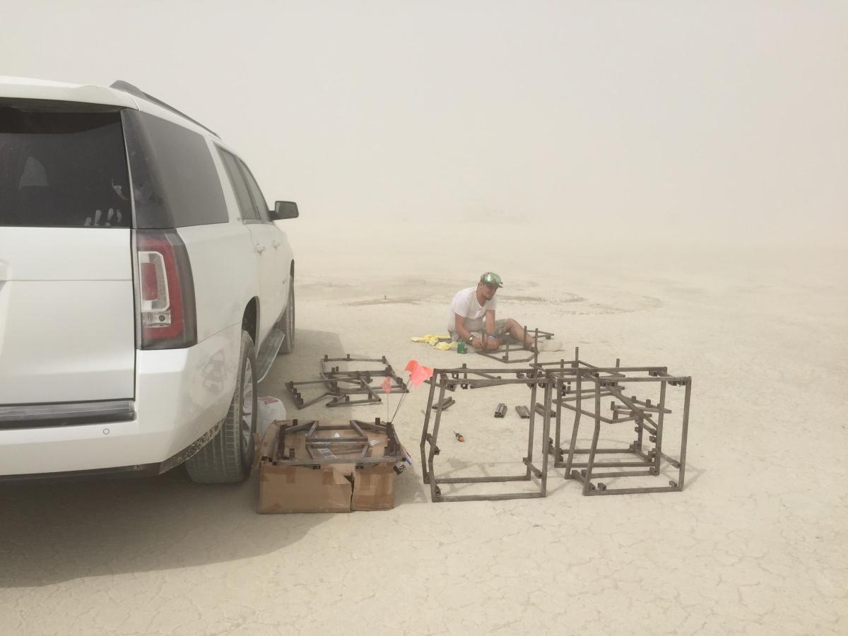 Burning Man — это пустыня, в которой на несколько дней в году вырастает город на 70 тысяч человек