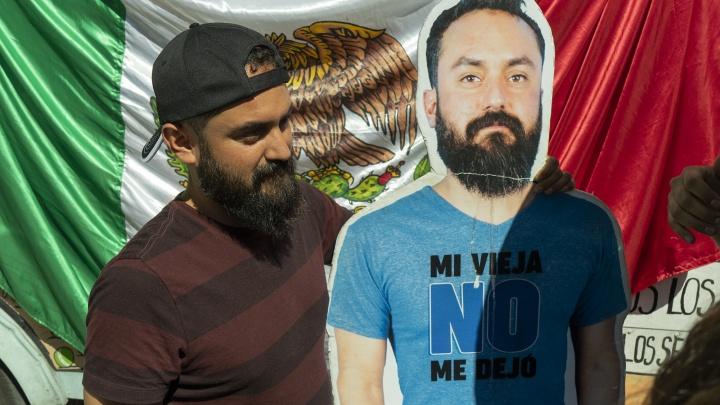 «Старуха» сдалась! Мексиканец, которого на ЧМ в Россию не пускала подружка, приехал в Екатеринбург