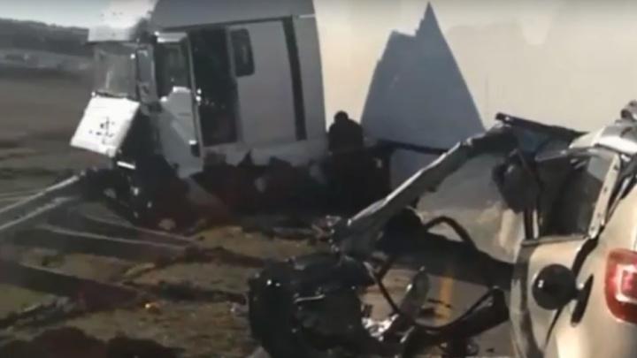 Появилось видео жесткой аварии в Воронежской области, где погибли двое батайчан