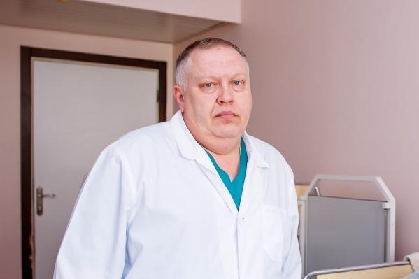 Кирилл Горбатиков шесть часов оперировал девочку