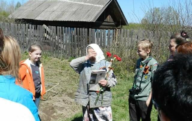 «Дорогами войны»: нижегородцы поехали в Ковернинский район поздравить ветеранов из глухих деревень