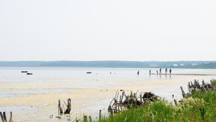 Цепочка трагических событий: женщину убило молнией под Челябинском, когда она купалась в озере