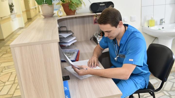 «Пациенты умирают почти каждый день»: откровенные монологи молодых врачей о работе в хосписе