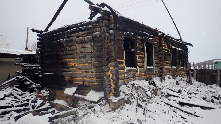 В Курганской области в суд передали дело о пожаре, в котором погибли трое детей и их мать